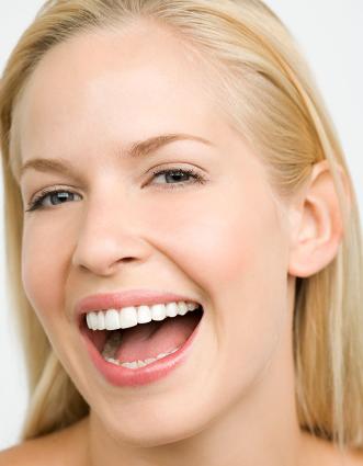 种植牙的手术价格 重庆医科大学附属口腔医院还你微笑自信