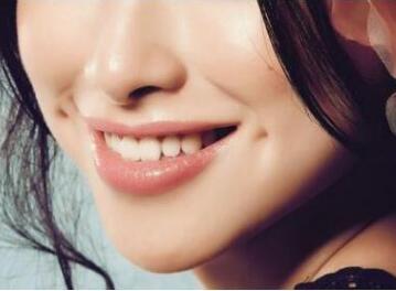 牙齿矫正的费用贵吗 广州圣贝牙科整形医院收费表