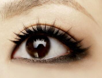 佛山梦露整形医院激光去黑眼圈让你恢复魅力电眼