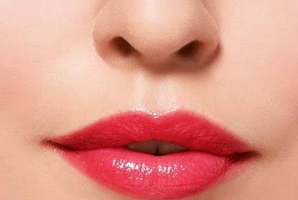 漂唇后多久可以消肿 长春尚氏华整形医院漂唇手术后的保护