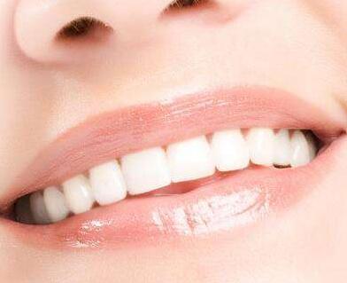 西安小白兔口腔医院全瓷一颗牙多少钱 烤瓷牙能维持多久