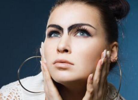 邯郸维多利亚整形切眉的价格是多少 重塑一个精美的眉形