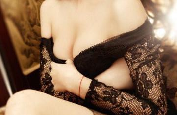 隆胸假体的价格多少 饱满性感 丰乳深沟