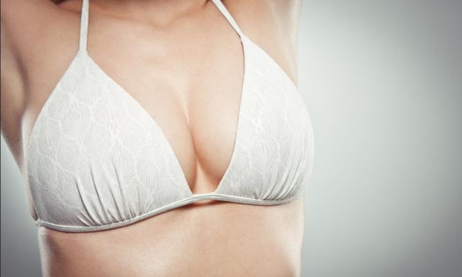 隆胸修复效果怎么样  手术安全吗 重获美胸